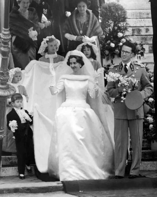 比利時最帥國王:他家真有王位要繼承,卻獨寵不育王后33年……