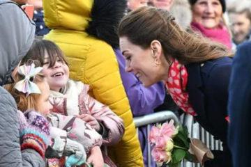 有愛!3歲女孩期待見到「真正的公主」,凱特因沒穿漂亮裙子向她道歉