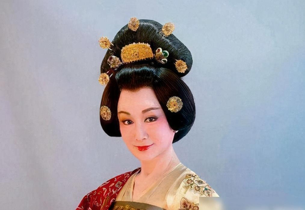 「不老女神」潘迎紫:35歲演小龍女,45歲演紅拂女,今怎樣了